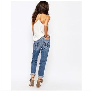 HOLLISTER Relaxed Distressed Boyfriend Jeans 28